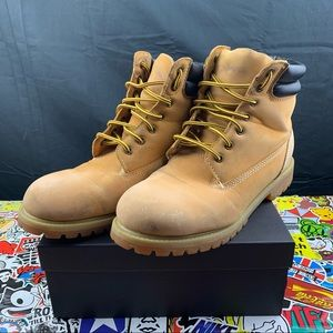 Levi's Classic Wheat Work Boots Size 10.5 Mens